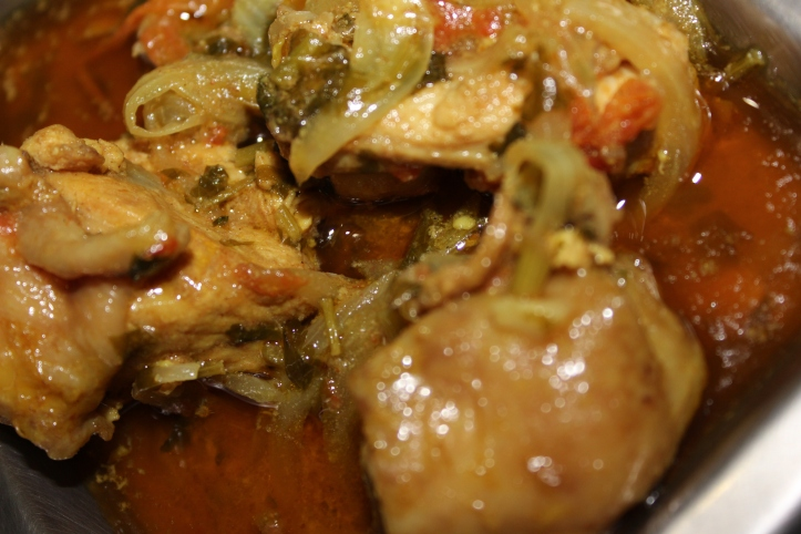 DELICIOUS NON-VEGETARIAN CURRY -RUStic Chicken Curry - Recipe in masalahealth.com