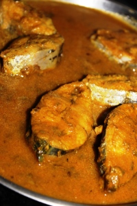 DELICIOUS FISH CURRY: Surmai/ King Mackerel Fish Curry – Recipe in masalahealth.com