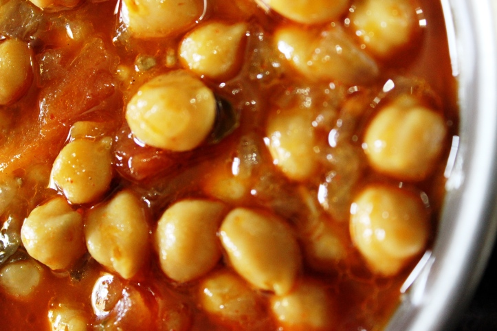 DELICIOUS VEGETARIAN GRAVY:Chickpeas in SavouryGravy - Recipe in masalahealth.com