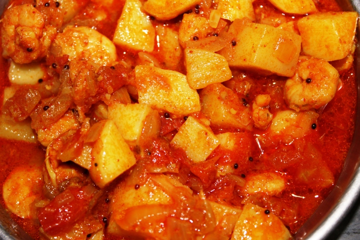 DELICIOUS BLEND: Potato & Prawns (piquant and sweet) - Recipe in masalahealth.com