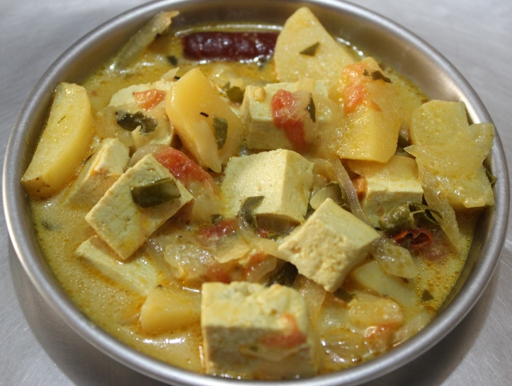 VEGETARIAN CURRY: Buttermilk Curry - Recipe in masalahealth.com