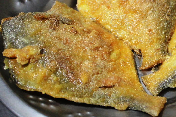 Pampus Argenteus/ Silver or White Pomfret: Silver Pomfret Fry - Recipe in masalahealth.com