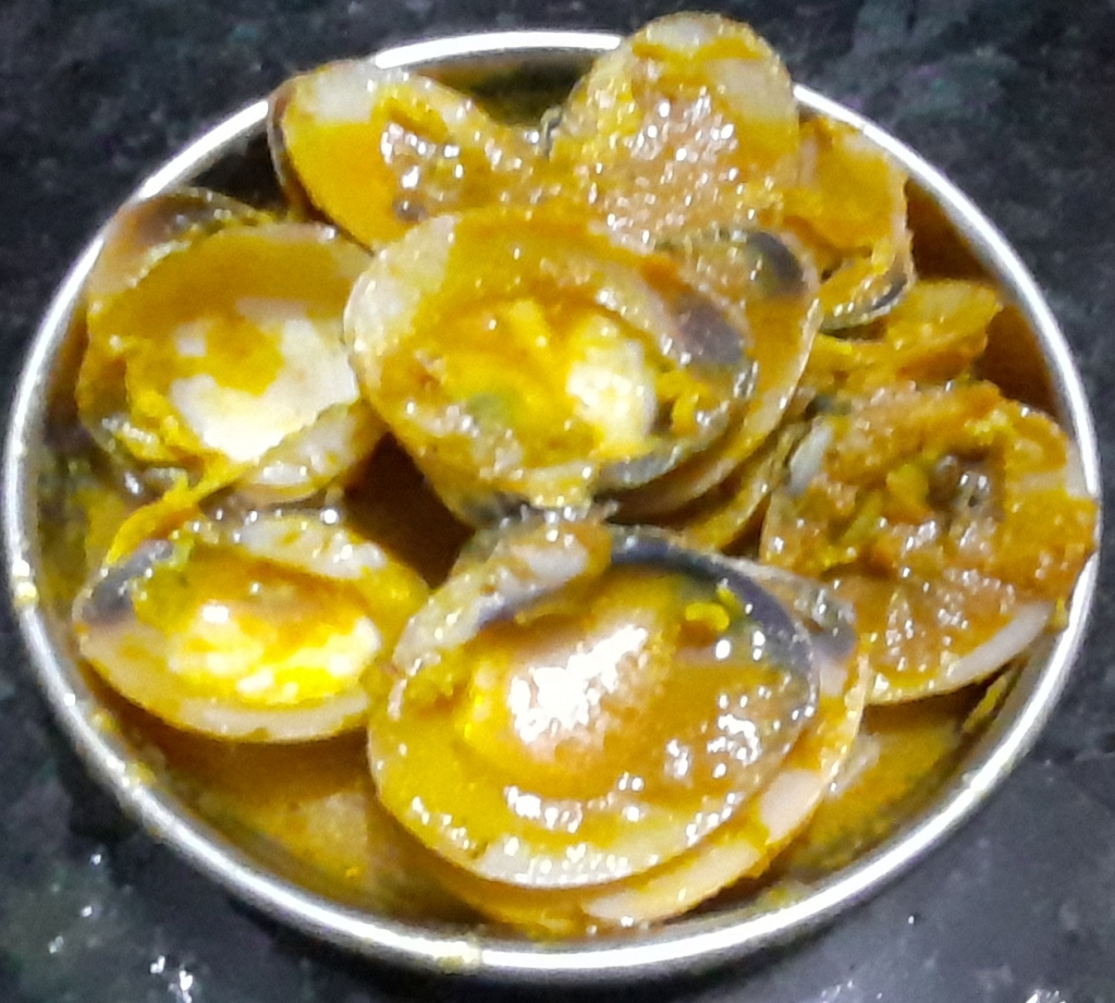 Clams in Delicious-Spicy Onion Sauce - Recipe in MASALAHEALTH.COM