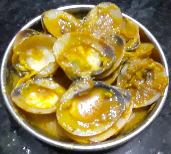 Clams in Delicious-Spicy Onion Sauce - Recipe in MASALAHEALTH.COM