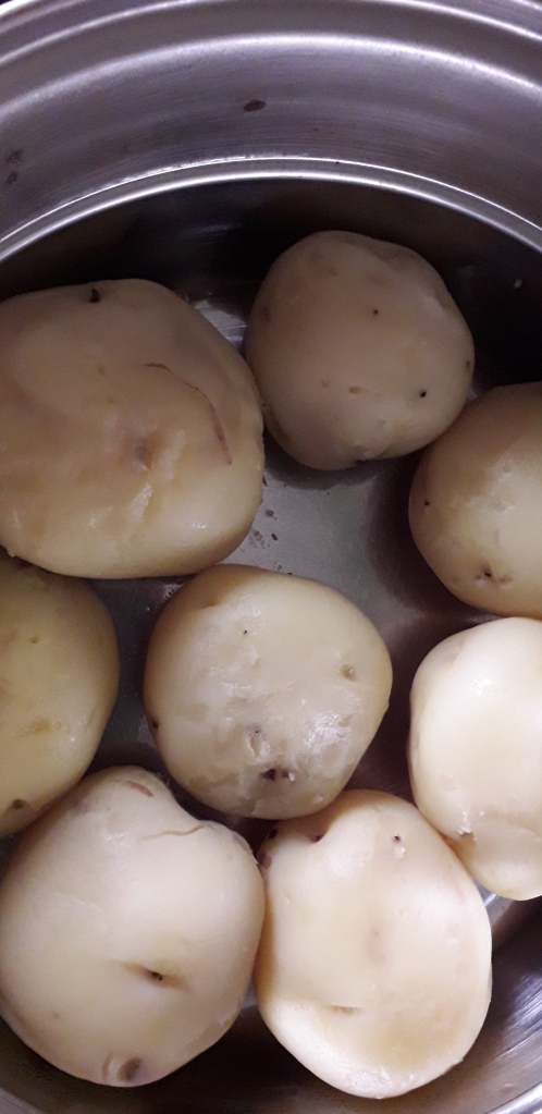 Boiled and Peeled Potatoes