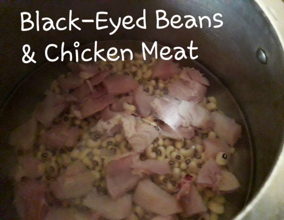 The required quantity of water for cooking black-eyed beans and chicken soup in a pressure cooker for serving size of approx. 7