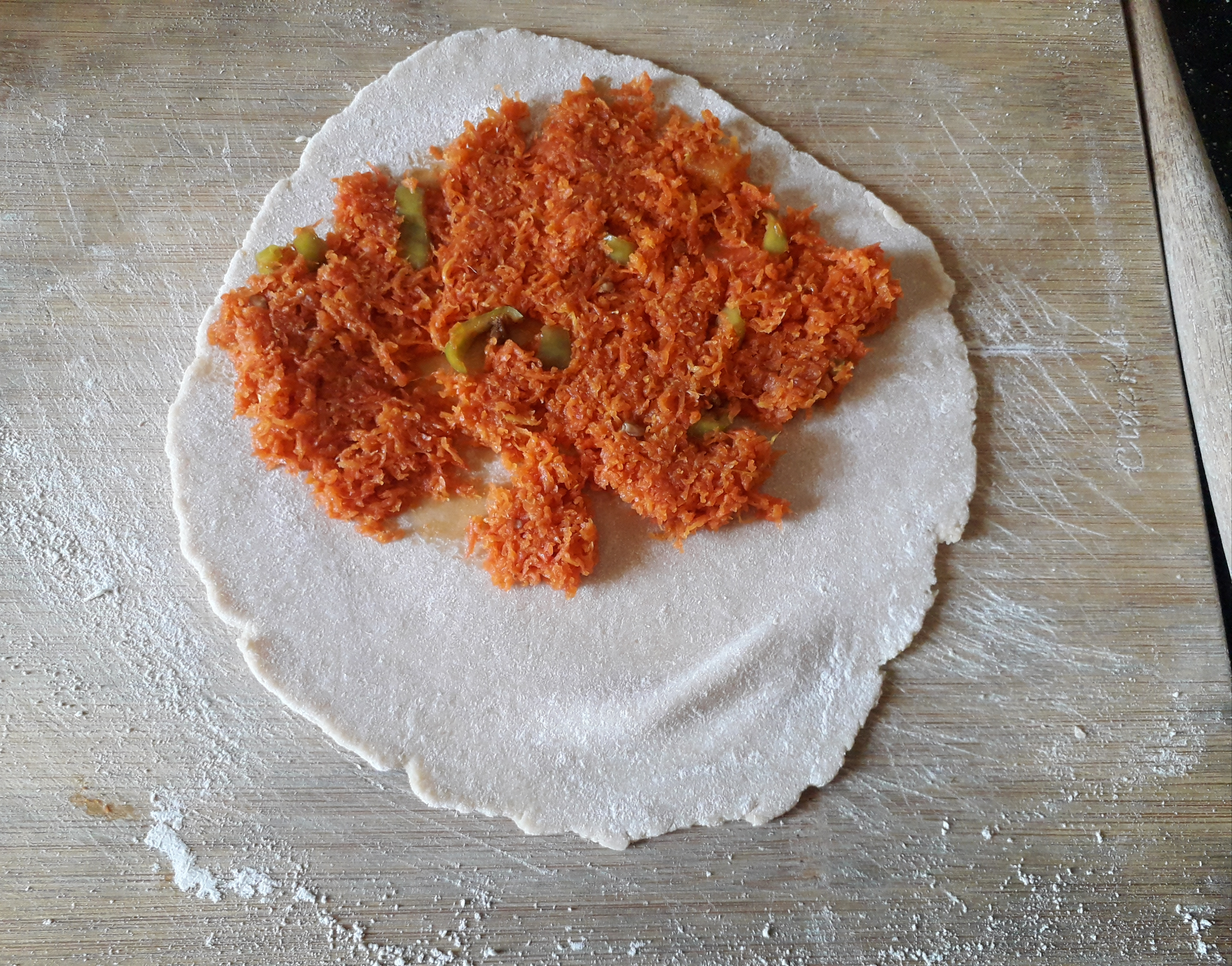 The quantity of carrot mix for a paratha